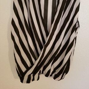 Tops - 🤑2/$35 NWOT Black/White Striped Sleeveless Blouse